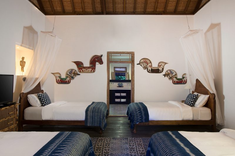 Bedroom with Four Beds - Villa Mamoune - Umalas, Bali