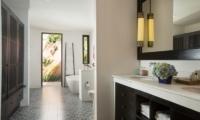 Bathroom with Mirror - Villa Mamoune - Umalas, Bali