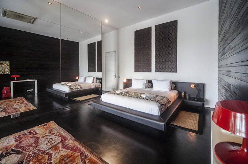 Spacious Bedroom with Table Lamps - Villa Mana - Canggu, Bali