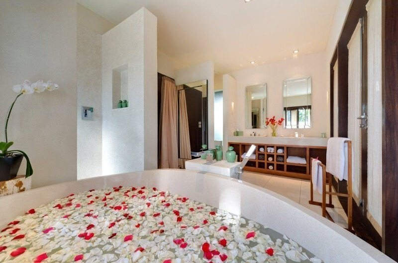 Romantic Bathtub Set Up - Villa Mata Air - Canggu, Bali