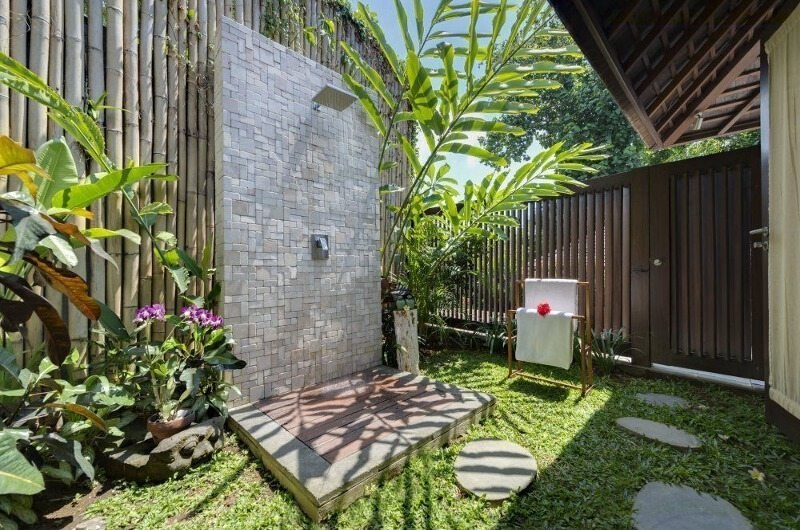 Outdoor Shower - Villa Mata Air - Canggu, Bali