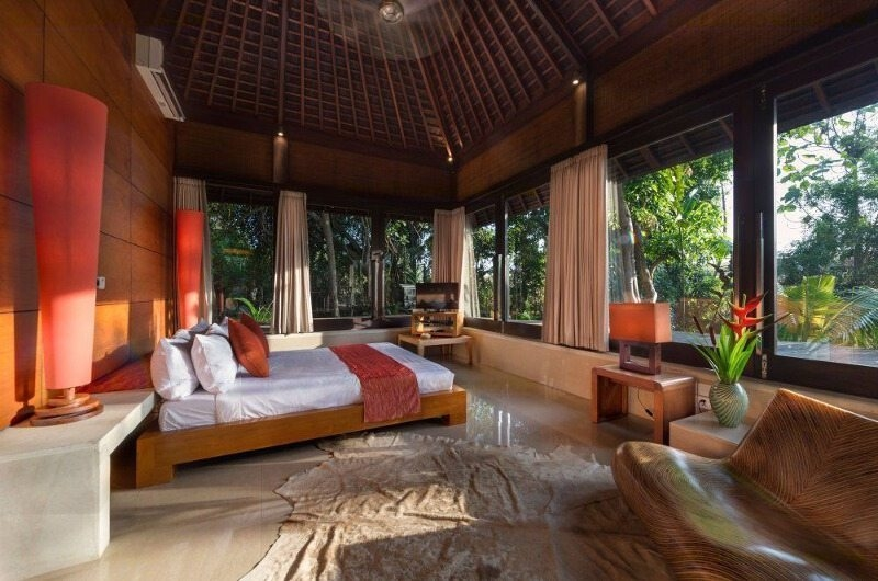 Spacious Bedroom with TV - Villa Mata Air - Canggu, Bali
