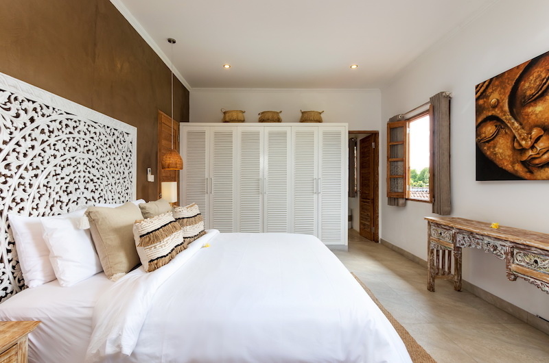 Bedroom with Window - Villa Maya Canggu - Canggu, Bali