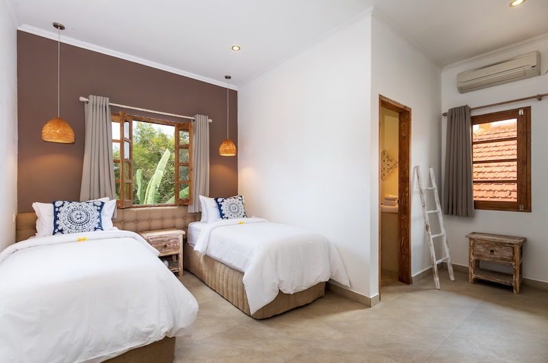 Bedroom with Twin Beds - Villa Maya Canggu - Canggu, Bali