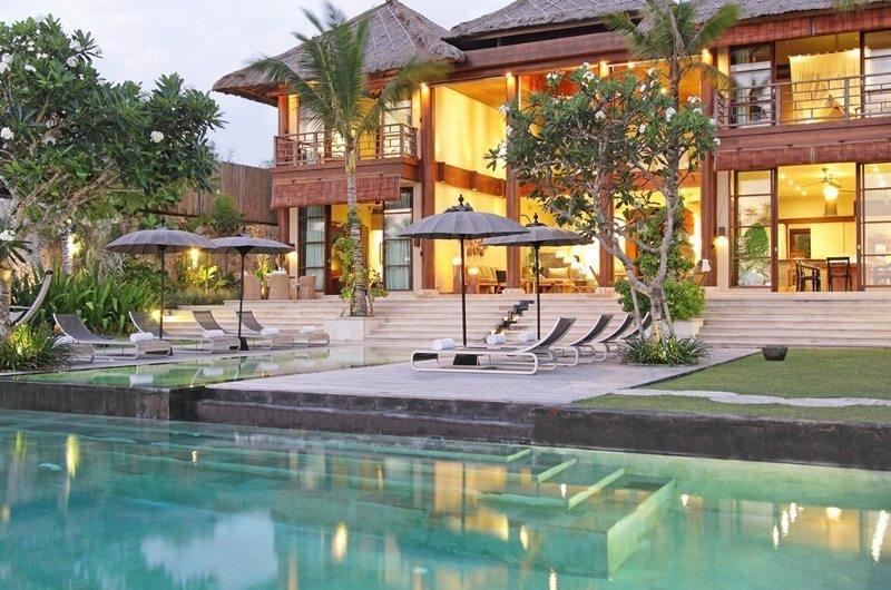 Pool Side Loungers - Villa Melissa - Pererenan, Bali