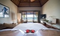 Bedroom and Balcony - Villa Melissa - Pererenan, Bali