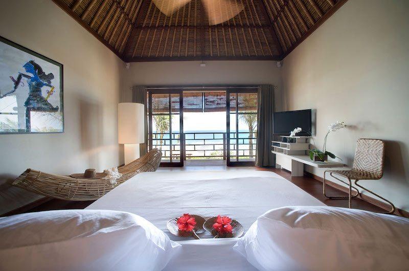 Bedroom and Balcony - Villa Melissa - Pererenan, Bali
