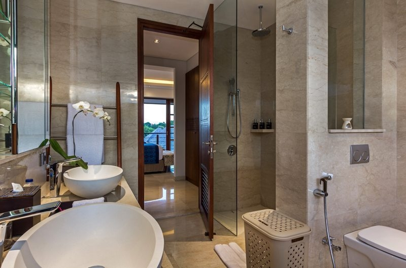 Bathroom with Shower - Villa Meliya - Umalas, Bali