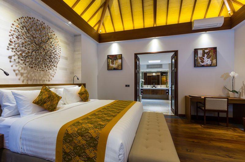 Bedroom and Bathroom - Villa Meliya - Umalas, Bali