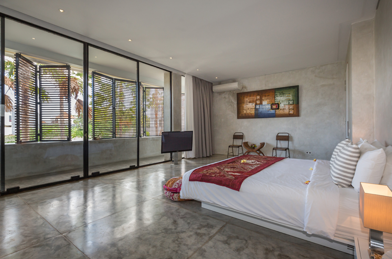 Spacious Bedroom - Villa Mikayla - Canggu, Bali