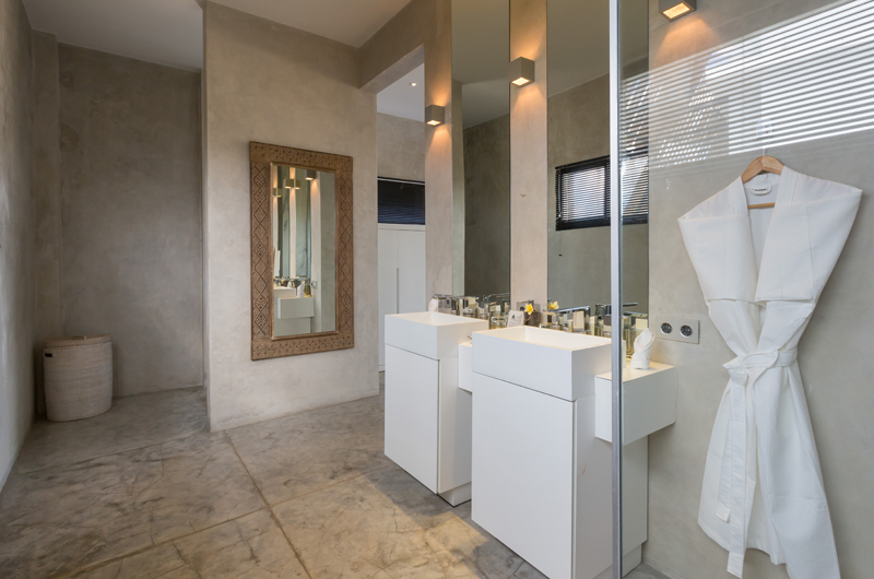 His and Hers Bathroom - Villa Mikayla - Canggu, Bali