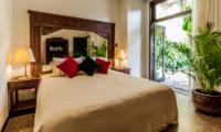 Bedroom with Garden View - Villa Naga Putih - Ubud, Bali