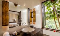 Bathroom with Mirror - Villa Naga Putih - Ubud, Bali