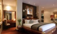 Bedroom with Dressing Area - Villa Nalina - Seminyak, Bali