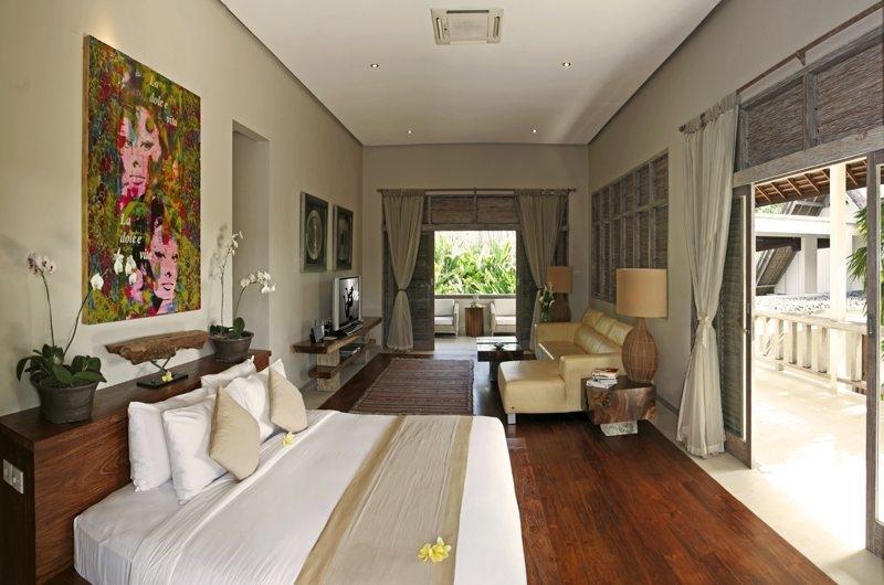 Bedroom with Sofa - Villa Nalina - Seminyak, Bali