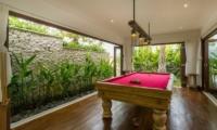 Indoor Billiard Table - Villa Naty - Umalas, Bali