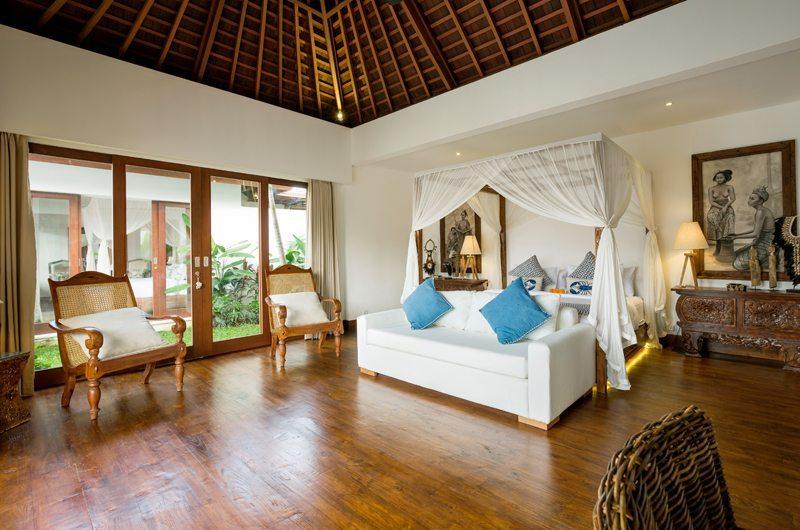 Bedroom with Seating Area - Villa Naty - Umalas, Bali