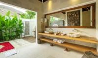 En-Suite His and Hers Bathroom - Villa Naty - Umalas, Bali