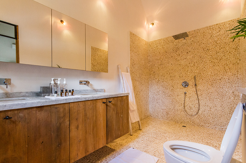 Bathroom with Shower - Villa Nehal - Umalas, Bali