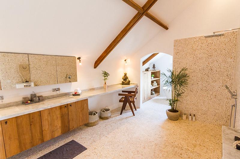 En-Suite Bathroom - Villa Nehal - Umalas, Bali
