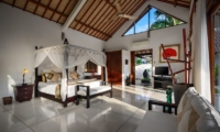 Bedroom with TV - Villa Noa - Seminyak, Bali