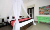 Bedroom with Mosquito Net - Villa Novaku - Seminyak, Bali