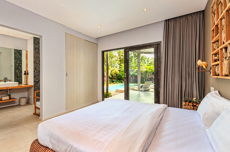 Bedroom with Outdoor View - Villa Ohana - Kerobokan, Bali