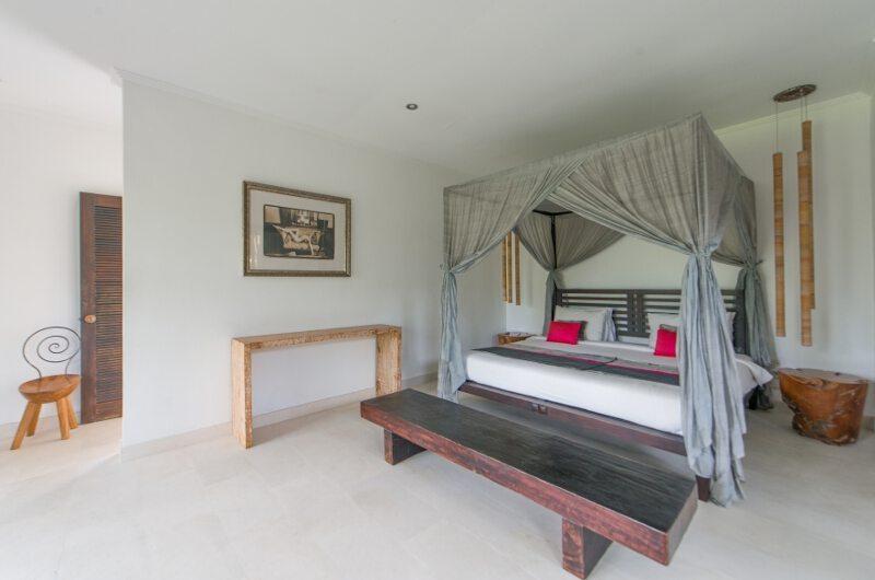 Spacious Bedroom - Villa Palm River - Pererenan, Bali