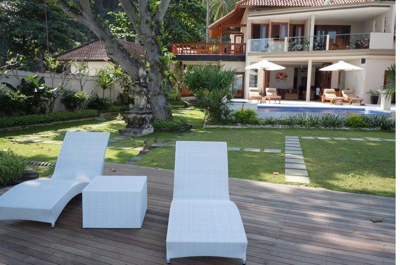 Sun Beds - Villa Pantai - Candidasa, Bali
