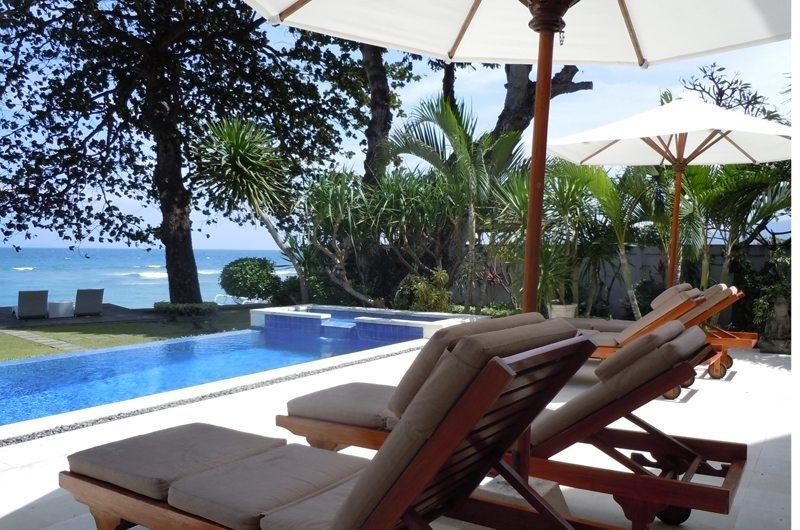 Sun Loungers - Villa Pantai - Candidasa, Bali