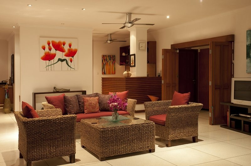 Living Area with TV - Villa Pantai - Candidasa, Bali