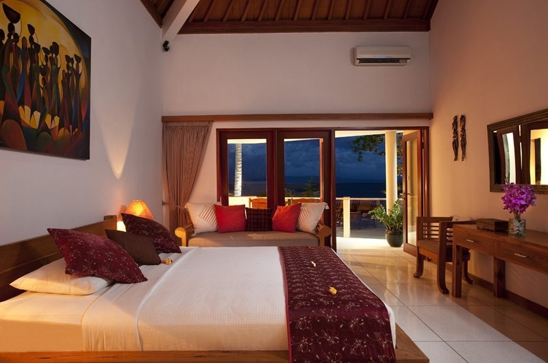 Bedroom with Seating Area - Villa Pantai - Candidasa, Bali