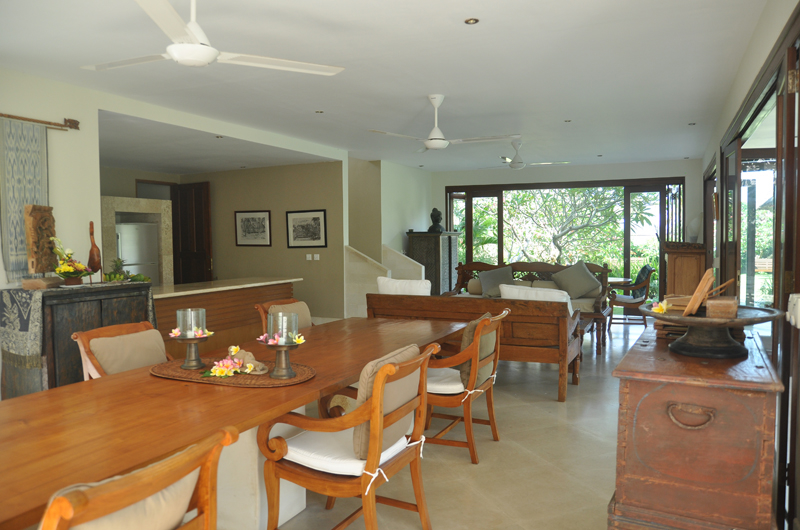Indoor Living and Dining Area - Villa Perle - Candidasa, Bali