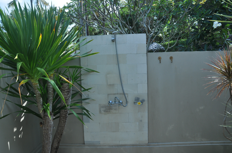 Outdoor Shower - Villa Perle - Candidasa, Bali