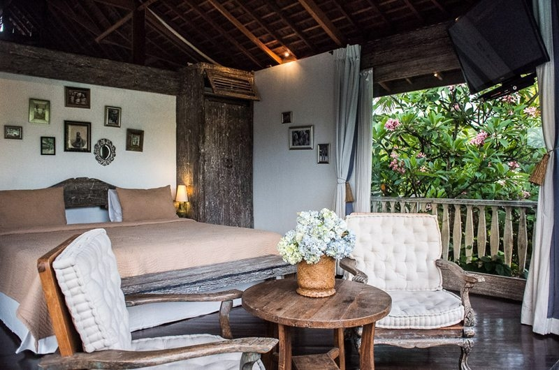 Bedroom with Seating Area - Villa Phinisi - Seminyak, Bali