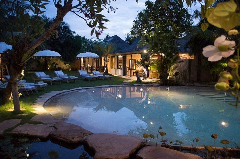 Pool Side - Villa Phinisi - Seminyak, Bali