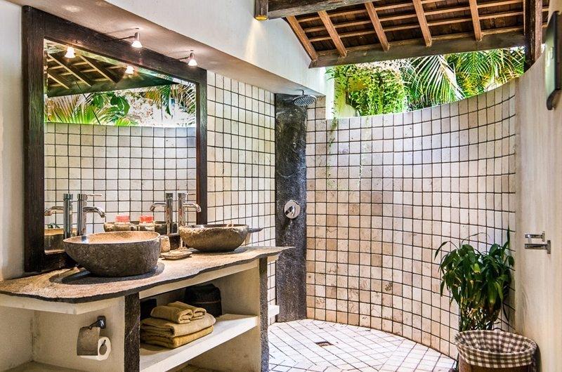 His and Hers Bathroom - Villa Phinisi - Seminyak, Bali