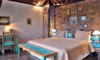 Bedroom with Table Lamps - Villa Phinisi - Seminyak, Bali