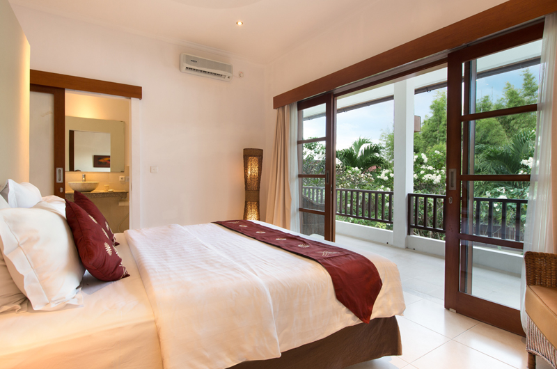 Bedroom and Balcony - Villa Puri Temple - Canggu, Bali