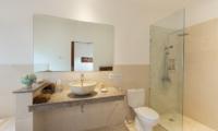 Bathroom with Shower - Villa Puri Temple - Canggu, Bali