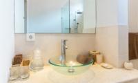Bathroom with Mirror - Villa Puri Temple - Canggu, Bali
