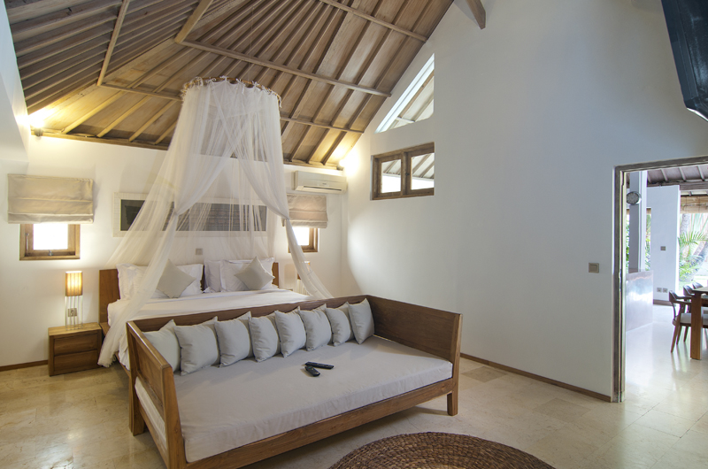 Bedroom with Seating Area - Villa Rabu - Seminyak, Bali