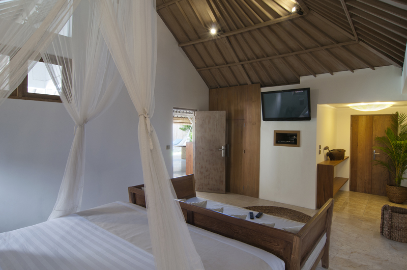 Bedroom with Sofa and TV - Villa Rabu - Seminyak, Bali