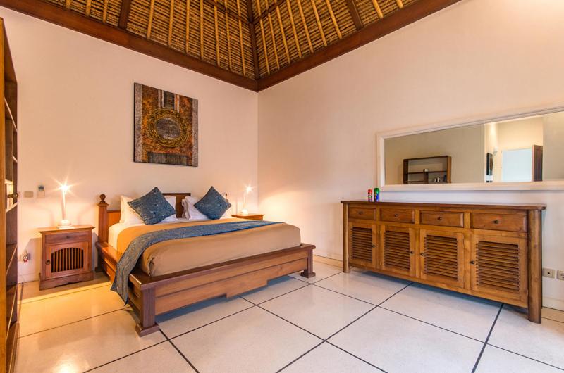 Bedroom with Mirror - Villa Rasi - Seminyak, Bali