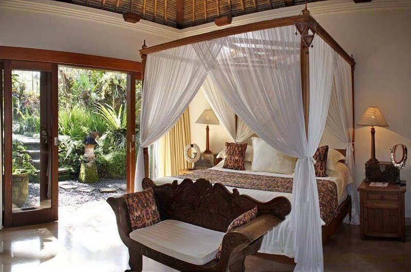 Four Poster Bed with Seating Area - Villa Ria Sayan - Ubud, Bali