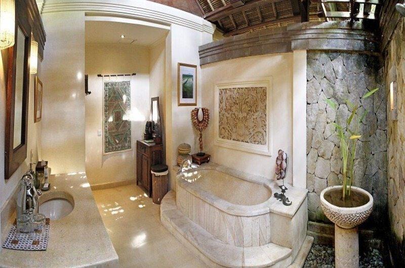 Bathtub - Villa Ria Sayan - Ubud, Bali