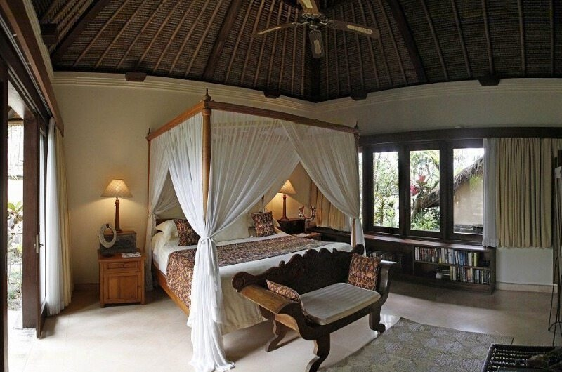 Bedroom with Seating Area - Villa Ria Sayan - Ubud, Bali