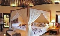 Four Poster Bed - Villa Ria Sayan - Ubud, Bali