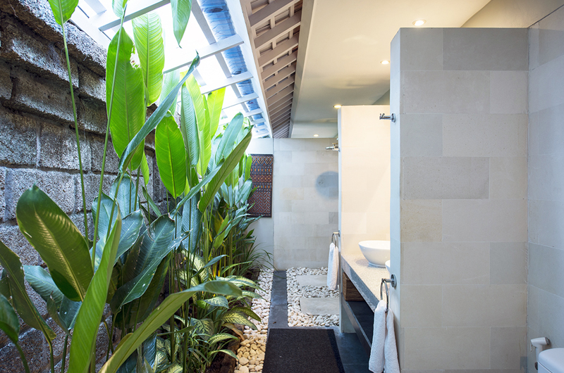 Bathroom with Shower - Anyar Estate - Umalas, Bali