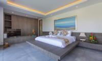 Spacious Bedroom with TV - Villa Roemah Natamar - Canggu, Bali